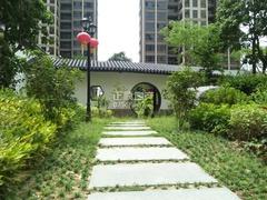 小区中央凉亭兰庭苑侧门入口(小区专家680731)