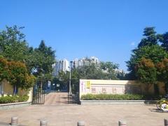 小区旁边公园