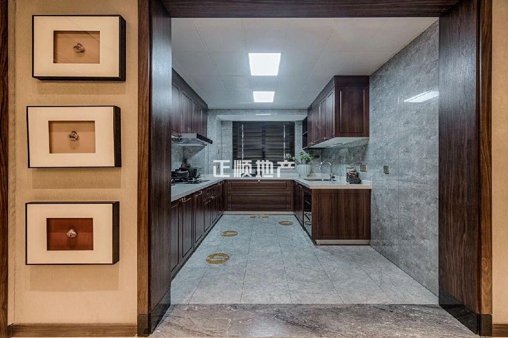 120平户型厨房