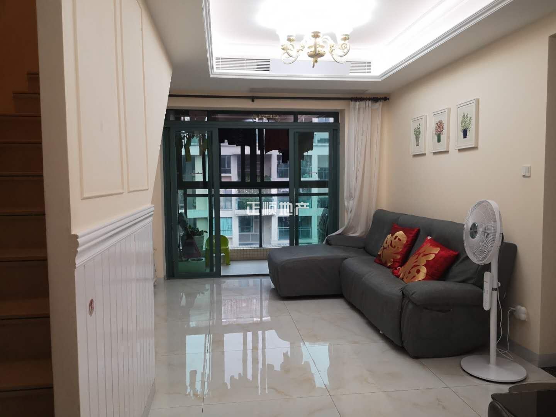 拱北 金域廊院 高楼层  豪华装修5+1房 品牌家私家中央空调 诚心出售 双阳台