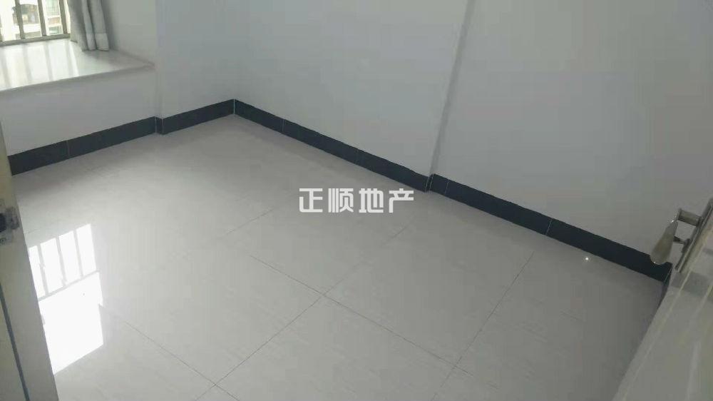 5d2f54a9c0cfc9efe83f0cb46e9181d.jpg