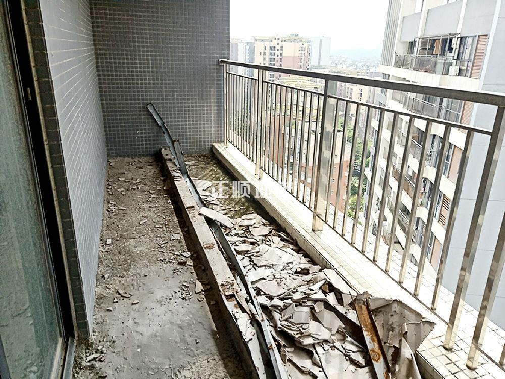 主阳台.jpg