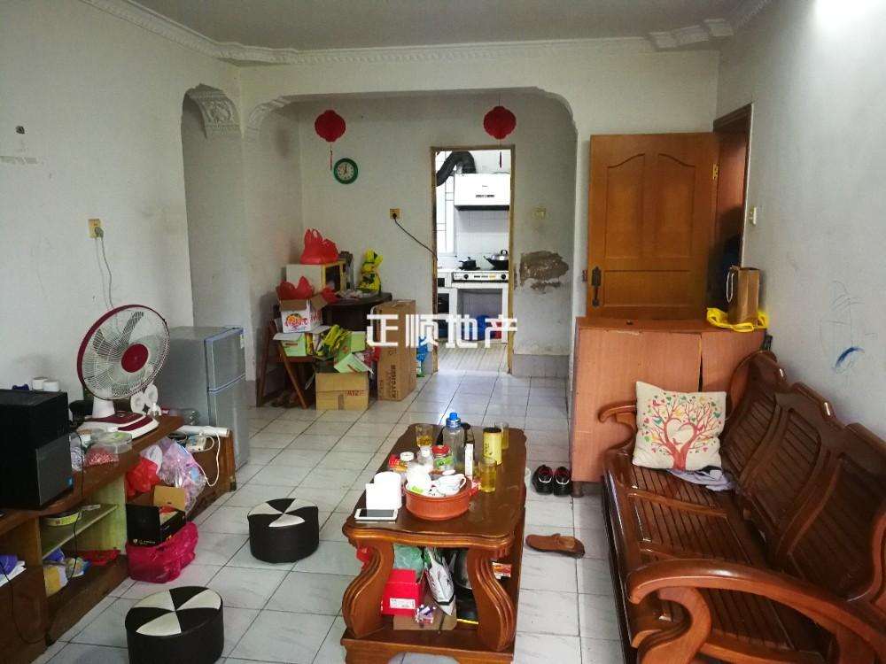 珠海机场旁 上表生活区  居家三房两厅出售 总价仅69万 满五唯一