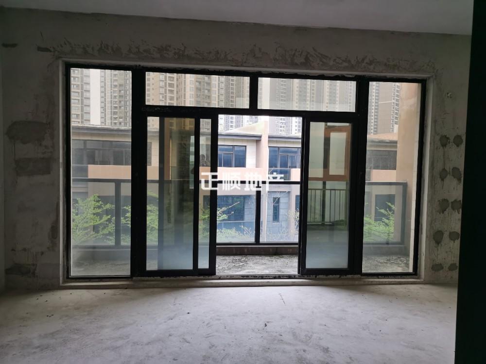 珠海斗门 中邦城市美墅    性价比高 联排别墅 5房售320万