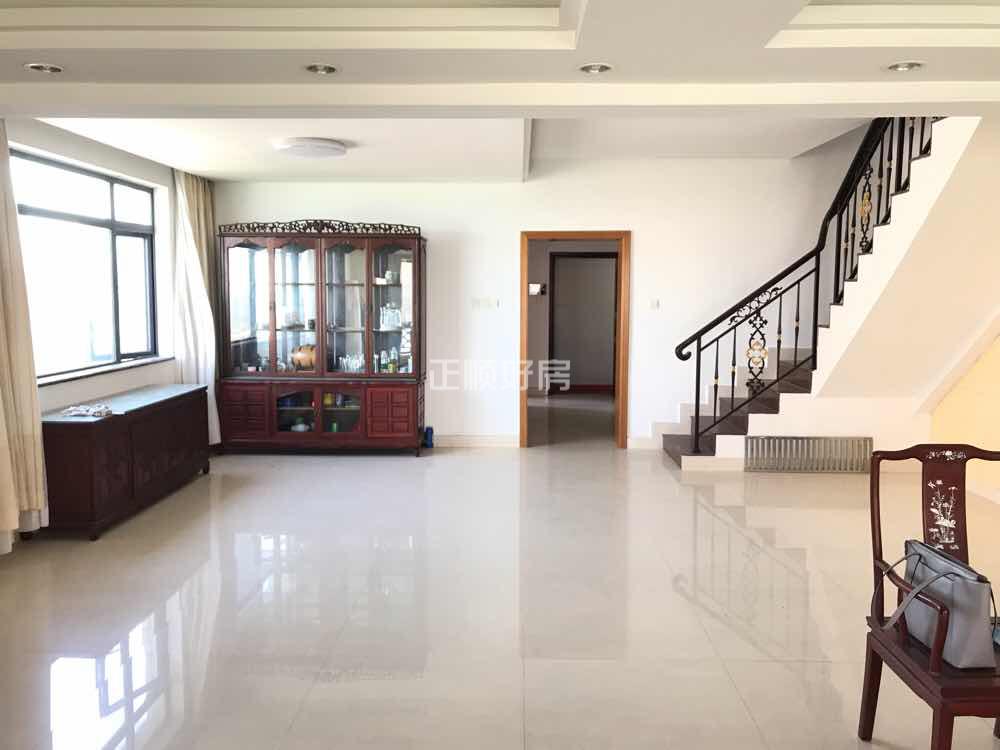 滨海大厦  220平米上下两套打通复试  全新装修业主诚心租售 月租6500元/