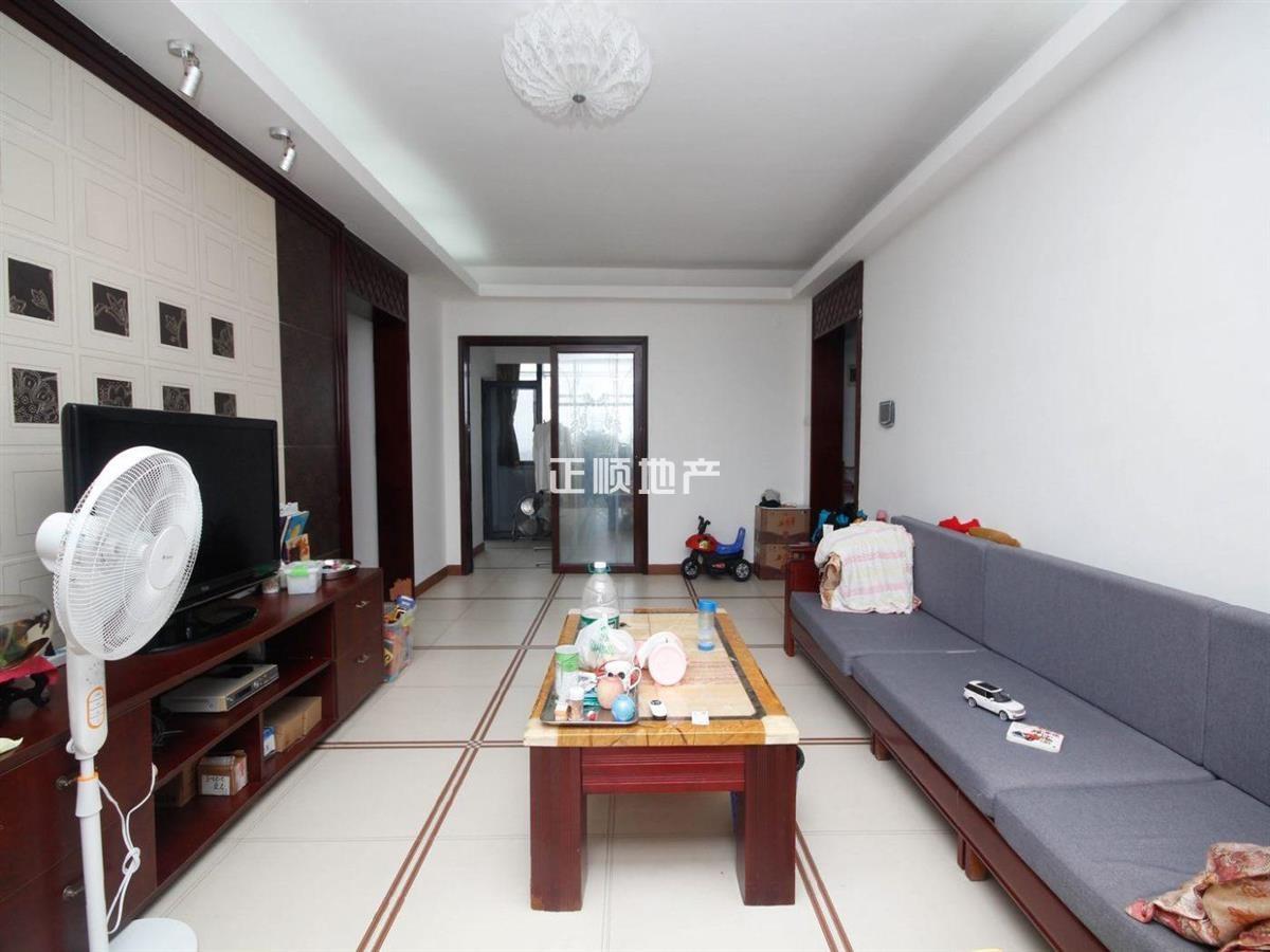 吉大水湾六号 高层豪宅 精装三房格局方正  带车库 诚心出售