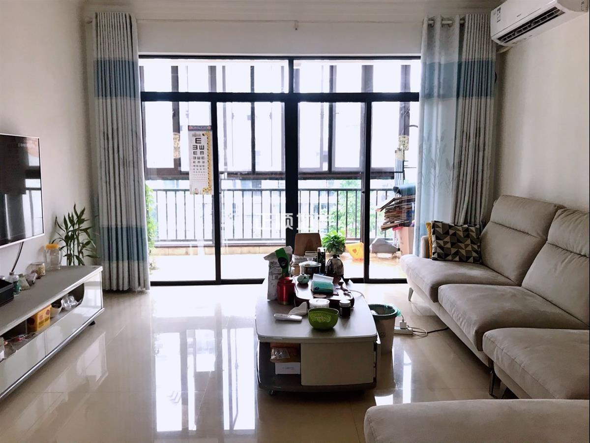 金湾一小学区 荷塘物语 复式楼 6个房间 精装修 保养超好