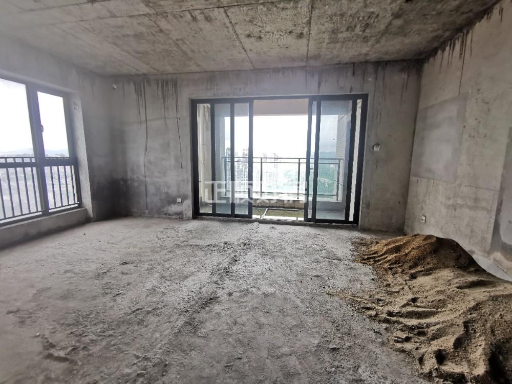 凤凰中小学区 金地伊顿山 顶楼复式豪宅 一线看香山湖景 带两个大平台