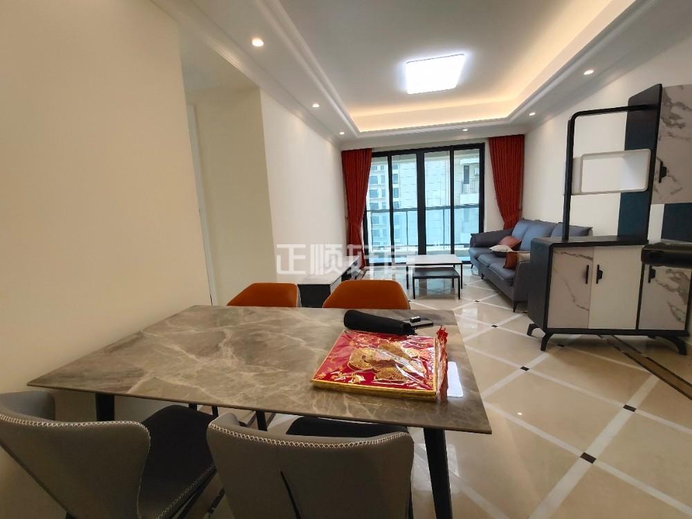 横琴口岸,K2荔枝湾,精装稀缺三房出售。