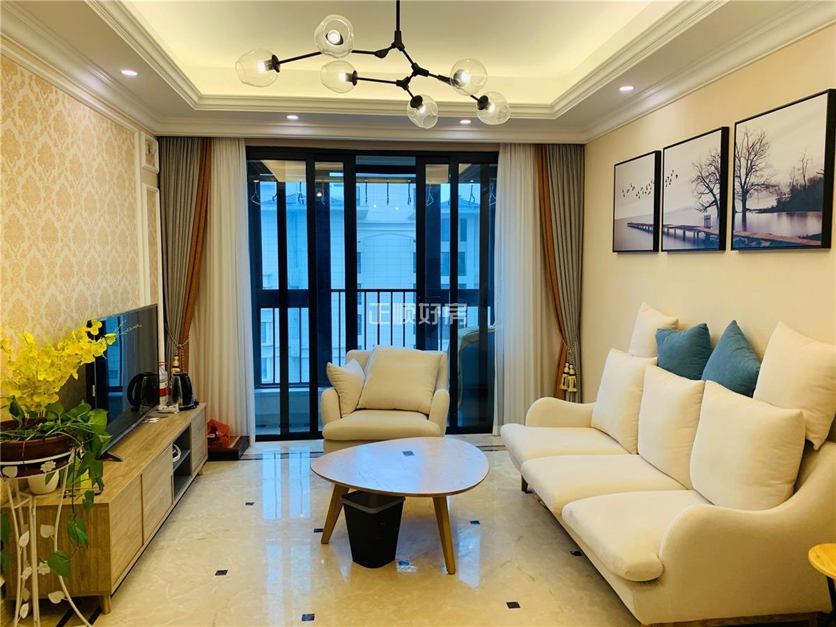 横琴 荔枝湾,稀缺复试户型83平  业主低价转让,全新豪华装修