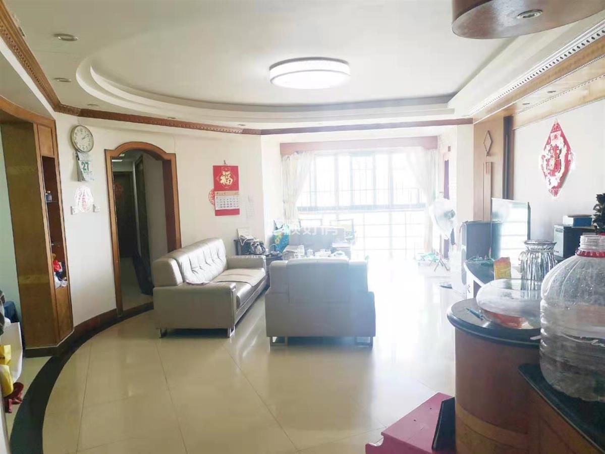 老香洲 金海湾花园  一线海景房   精装4房 业主诚心出售