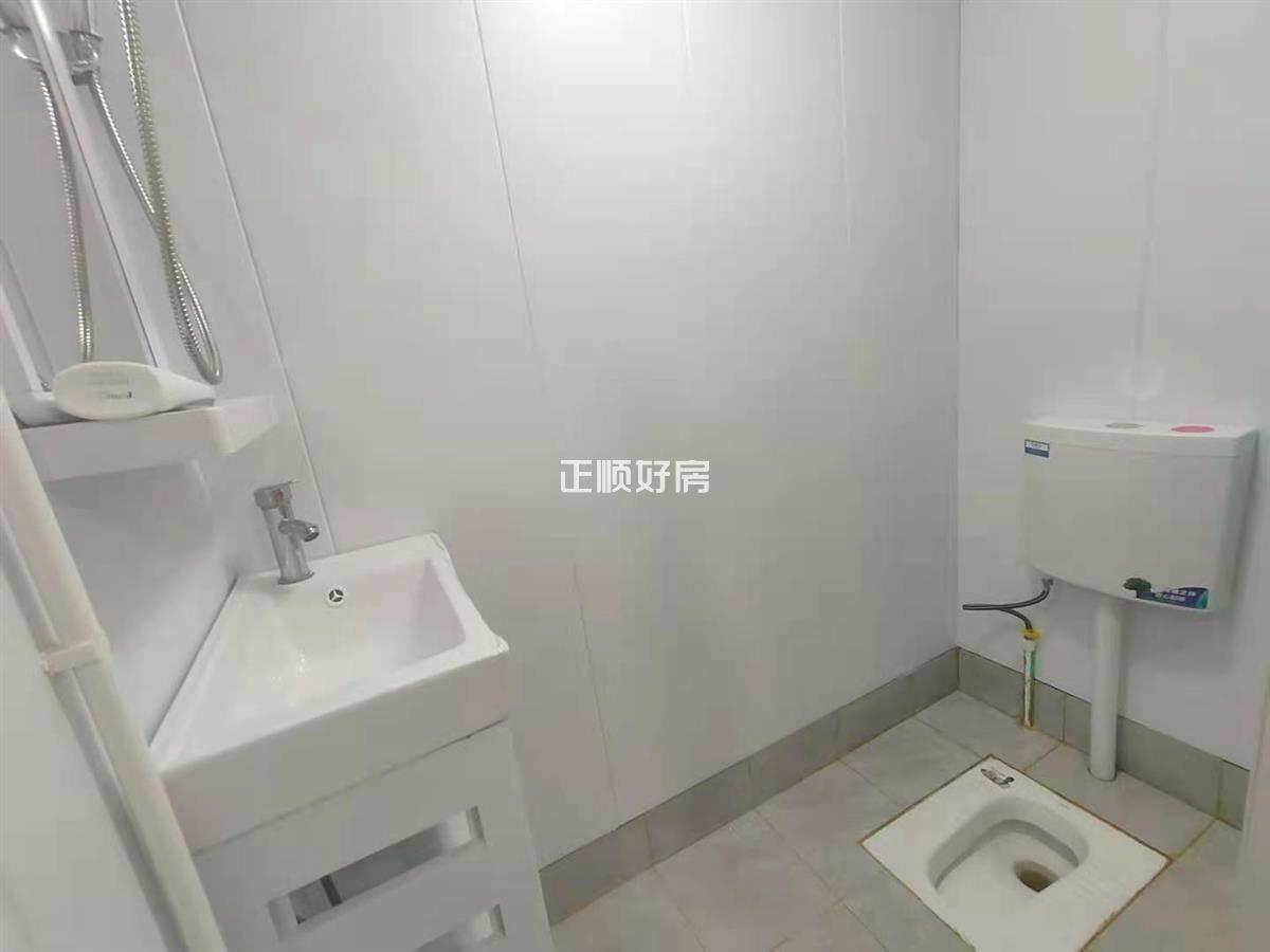 F房卫生间