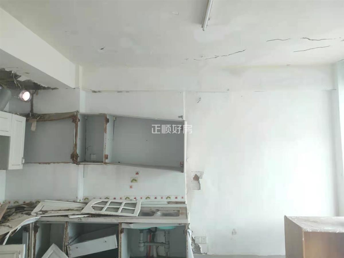 泰宝新村  三房业主急售满五少税